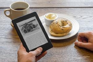 03-ebook-reader-kindle-paperwhite-breakfast-630