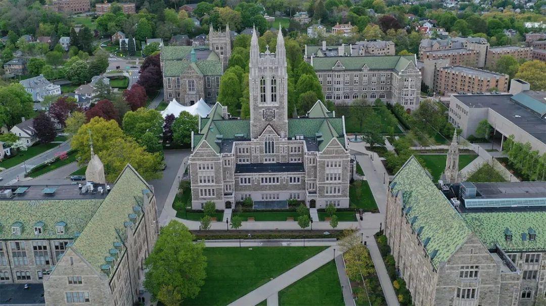 2021 US News排名35,波士顿五大名校之一,想要顺利毕业不容易!