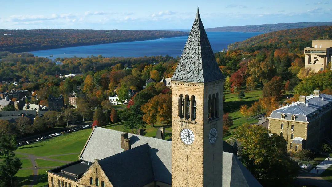 美国历史上第一所具有真正意义的全民大学居然是它