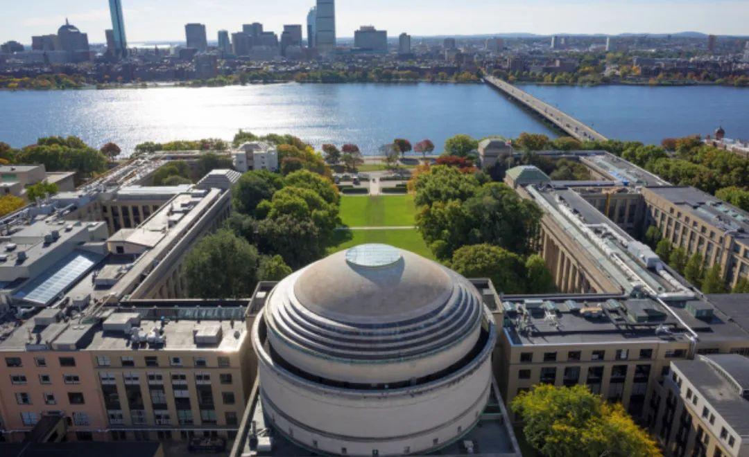 美国STEM大学排行榜发布!第一名留学生进不去?