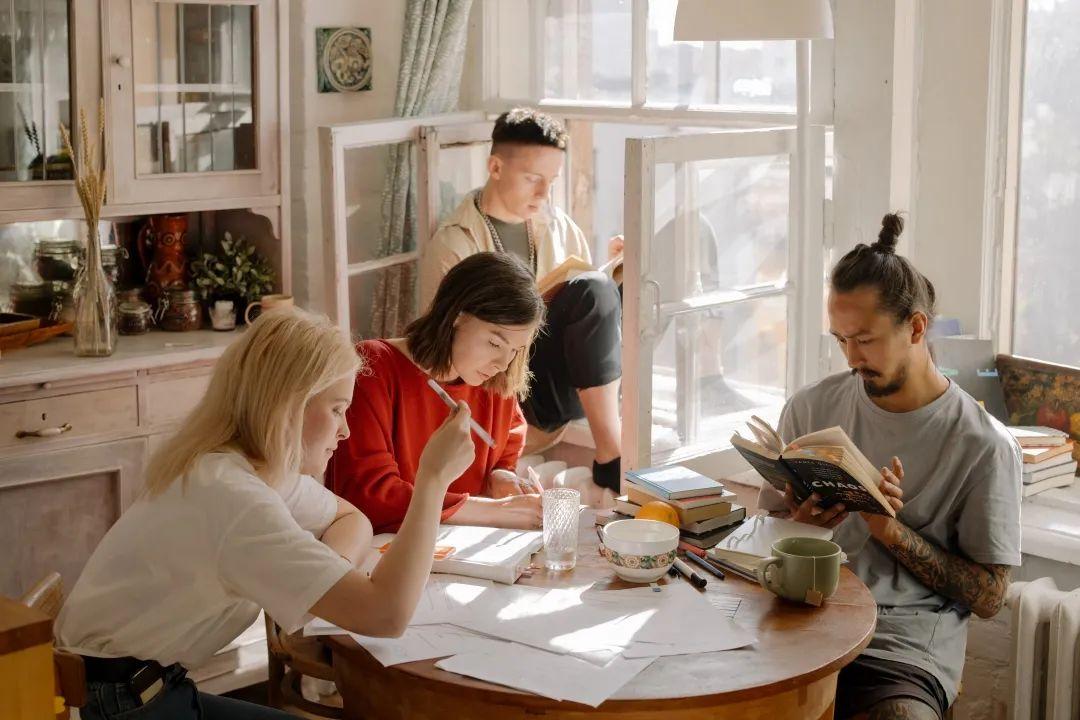 留学同居导致签证被取消——留学期间情侣同居的几大注意事项