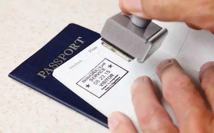 签证过不过,全看签证官心情好不好?