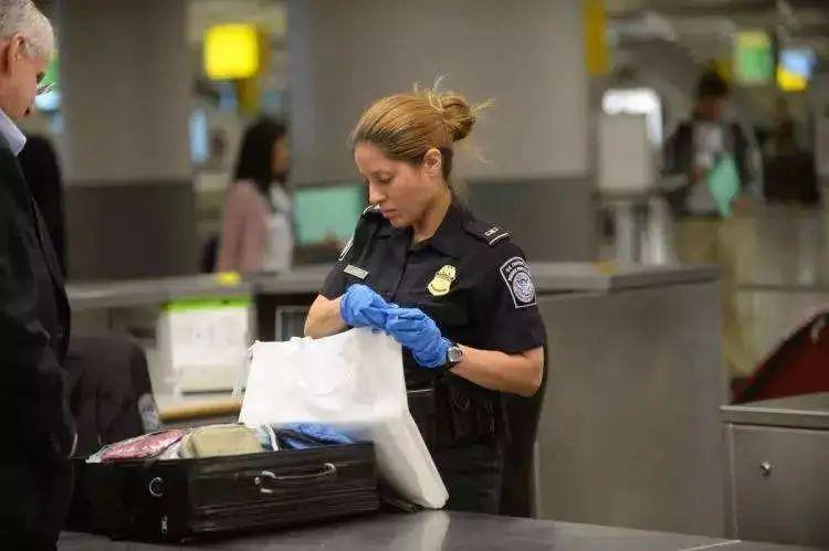 有签证就可以进入美国吗?不!被遣返的大有人在!
